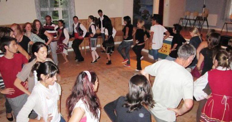 BII_Bulgarian_dancing